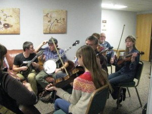 teenagers playing bluegrass-Now we're talking!